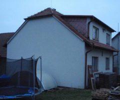 6.4.2017 Dražba rodinného domu v okrese Benešov. Vyvolávací cena 770.000 Kč.