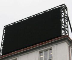 3.5.2017 Dražba – Velkoplošná informační a reklamní LED obrazovka. Vyvolávací cena 96.567 Kč.