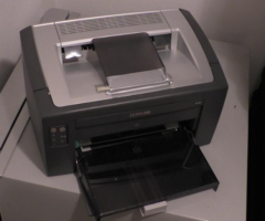 13.4.2017 Dražba tiskárny Lexmark. Vyvolávací cena 400 Kč.