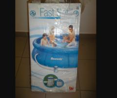 25.4.2017 Dražba samostavěcího bazénu Best Way. Vyvolávací cena 600 Kč.