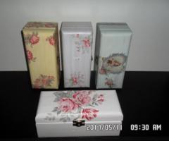 14.6.2017 Dražba dekorace – 4 kusy truhel. Vyvolávací cena 500 Kč.
