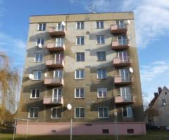 20.9.2017 Dražba bytu 2+1, okres Chomutov. Vyvolávací cena 212.700 Kč.