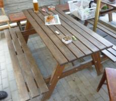 29.11.2017 Dražba zahradního stolu. Vyvolávací cena 500 Kč.
