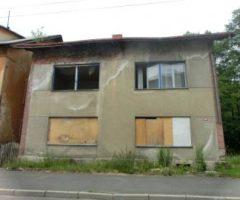 13.12.2017  Dražba / prodej domu. Tato nemovitost leží v okrese Sokolov. Vyvolávací nebo kupní cena 75 000 Kč