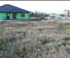 Do 16.3.2018 Výběrové řízení na prodej travnatého pozemek s výměrou 618 m2, okres Louny. Minimální kupní cena 400.000Kč.