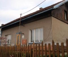 28.02.2018  Dražba / prodej domu. Tato nemovitost leží v okrese Karlovy Vary. Vyvolávací nebo kupní cena 174 000 Kč