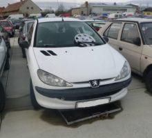 27.3.2018 Dražba automobilu Peugeot/ barva bílá. Vyvolávací cena 500 Kč