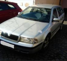 12.3.2018 Dražba automobilu Škoda Octavia combi. Vyvolávací cena 12.000 Kč.