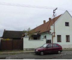 11.05.2018  Dražba / prodej domu. Tato nemovitost leží v okrese Nymburk. Vyvolávací nebo kupní cena 225.000 Kč