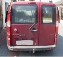 Do 30.9.2018 Výběrové řízení na prodej automobilu Fiat Doblo Cargo, combi. Minimální kupní cena 30.000 Kč.
