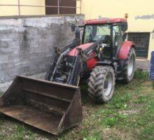 20.6.2018 Dražba traktoru s čelnim nakladačem Case IH MAXXUM 140 BE MAXXUM 140. Vyvolávací cena 300.000Kč.