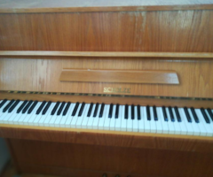29.6.2018 Dražba pianina Scholze. Vyvolávací cena 7.000 Kč.