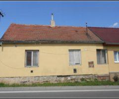 27.06.2018  Dražba / prodej domu. Tato nemovitost leží v okrese Brno-venkov. Vyvolávací nebo kupní cena 161.867 Kč