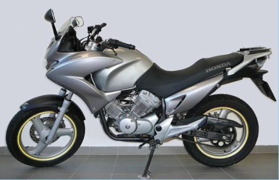 aukce motocykl honda xl 125 v varadero vyvol vac cena k. Black Bedroom Furniture Sets. Home Design Ideas