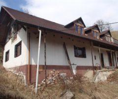 08.08.2018  Dražba / prodej domu. Tato nemovitost leží v okrese Šumperk. Vyvolávací nebo kupní cena 293.333 Kč