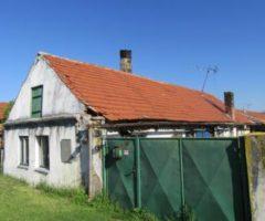 31.07.2018  Dražba / prodej domu. Tato nemovitost leží v okrese Kolín. Vyvolávací nebo kupní cena 72 000 Kč
