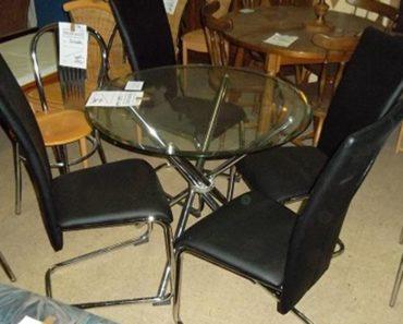 6.9.2018 Dražba skleněhého kulatého stolu + 4x židle. Vyvolávací cena 1.000 Kč.