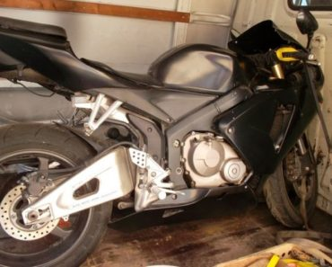 31.8.2018 Dražba motocyklu Honda CBR 600 RR. Vyvolávací cena 22.400 Kč.
