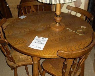 6.9.2018 Dražba kulatého stolu + 4x židle. Vyvolávací cena 1.500 Kč.