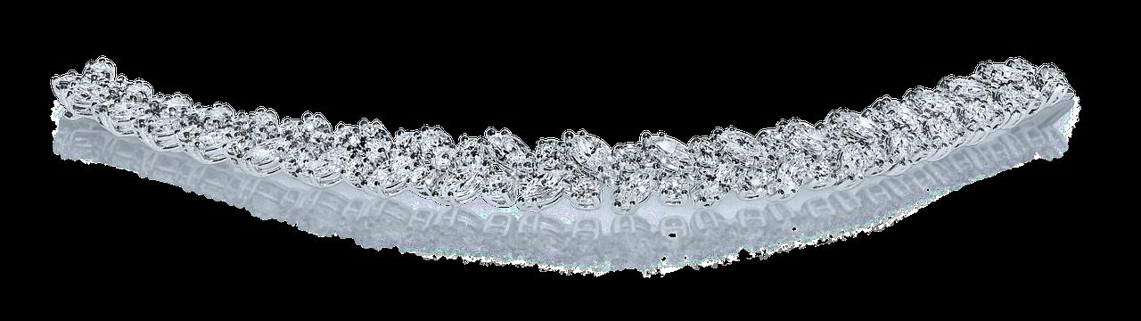 12.9.2018 Dražba stříbrného náramku na nohu s křišťály. Vyvolávací cena 123 Kč.