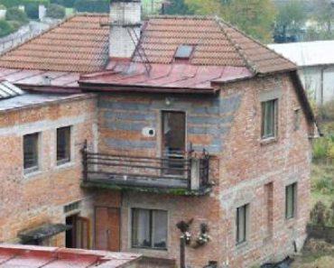 17.09.2018  Dražba / prodej domu. Tato nemovitost leží v okrese Náchod. Vyvolávací nebo kupní cena 483 667 Kč