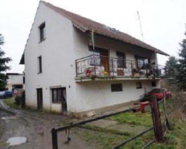 05.09.2018  Dražba / prodej domu. Tato nemovitost leží v okrese Plzeň-sever. Vyvolávací nebo kupní cena 407 000 Kč