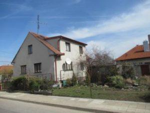 05.09.2018  Dražba domu. Tato nemovitost leží v okrese Znojmo. Vyvolávací cena 560 000 Kč