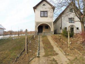 26.09.2018  Dražba domu. Tato nemovitost leží v okrese Hodonín. Vyvolávací cena 35 000 Kč (ID: 275857)