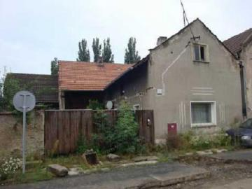 23.10.2018 Dražba domu. Tato nemovitost leží v okrese Mělník. Vyvolávací cena 320 000 Kč
