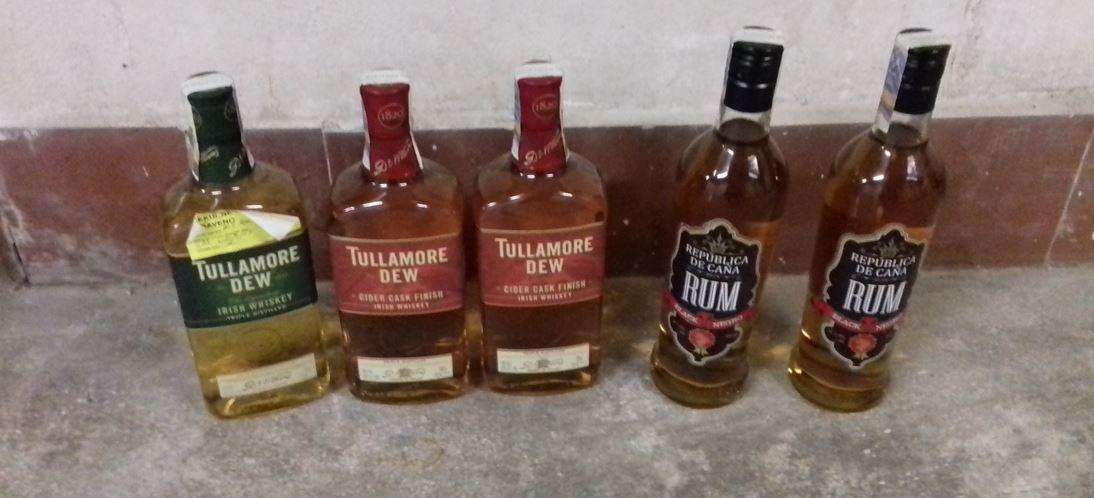 4.12.2018 Dražba alkoholu, různé druhy, 5ks.( Tullamore, rum...) Vyvolávací cena 200 Kč.
