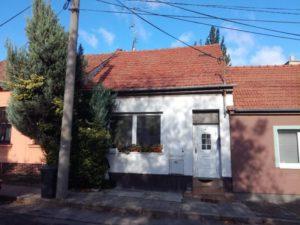 12.12.2018  Dražba domu. Tato nemovitost leží v okrese Brno-venkov. Vyvolávací cena 1.750.000 Kč