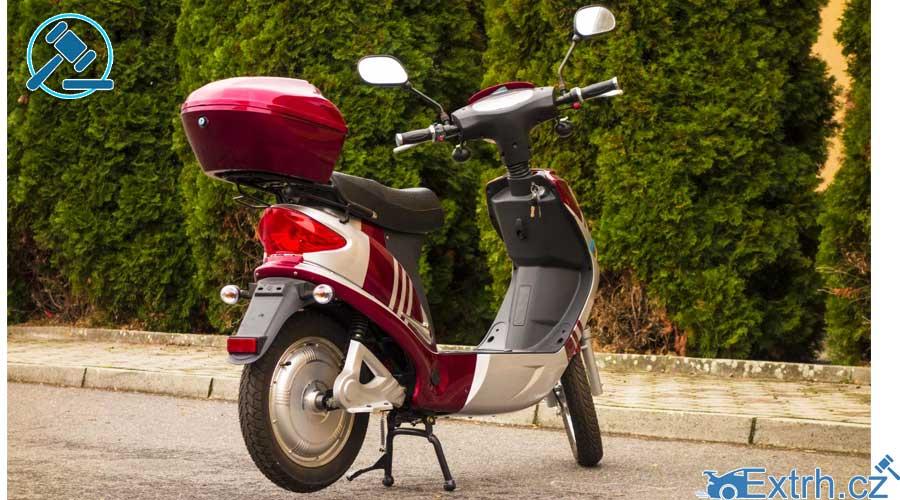 16.11.2018 Dražba motocyklu Guewer. Vyvolávací cena 2.000 Kč, ID381536