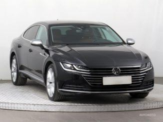 Soukromý prodej auta Volkswagen Arteon rok 2018 - 940000 Kč, prodej i na splátky.