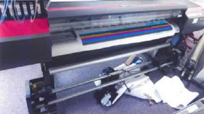 9.1.2019 Dražba velkoplošné tiskárny Roland XF640. Vyvolávací cena 38.000 Kč.