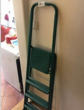 29.1.2019 Dražba štaflí zelené barvy. Vyvolávací cena 20 Kč.