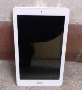 30.1.2019 Dražba tabletu Acer. Vyvolávací cena 500 Kč.