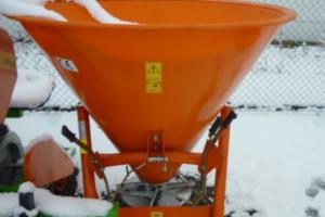 25.2.2019 Dražba rozmetadla umělých hnojiv. Vyvolávací cena 3.630 Kč.