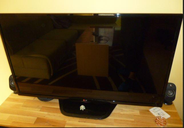 21.2.2019 Dražba LCD TV zn. LG + DO. Vyvolávací cena 1.000 Kč.