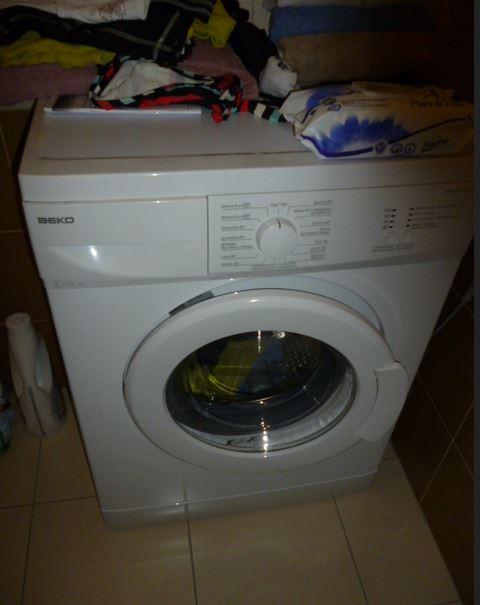21.2.2019 Dražba automatické pračky zn. Beko. Vyvolávací cena 300 Kč.