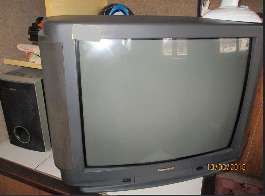 26.2.2019 Dražba barevného TV Panasonic + DO. Vyvolávací cena 200 Kč.