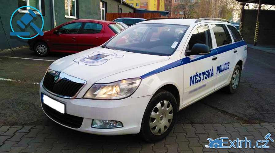 20.3.2019 Dražba policejního automobilu Škoda Octavia Kombi, LPG 1.6. Vyvolávací cena 55.300 Kč.