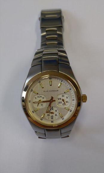 a1d3df64fd7 20.3.2019 Dražba pánských náramkových hodinek zn. MARKS   SPENCER BLUE  HARBOUR. Vyvolávací cena 200 Kč. Další informace naleznete v popisu dražby  níže.