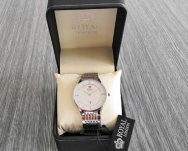11.7.2019 Dražba vodotěsných hodinek Royal London. Vyvolávací cena 1.100 Kč.