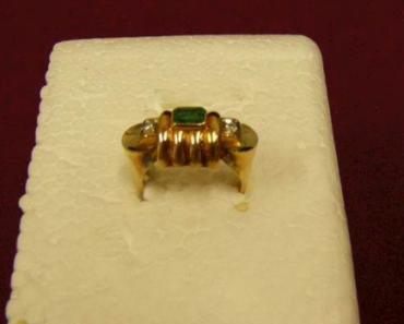 Do 19.6.2019 Aukce fazónového prstenu. Vyvolávací cena 6.885 Kč.