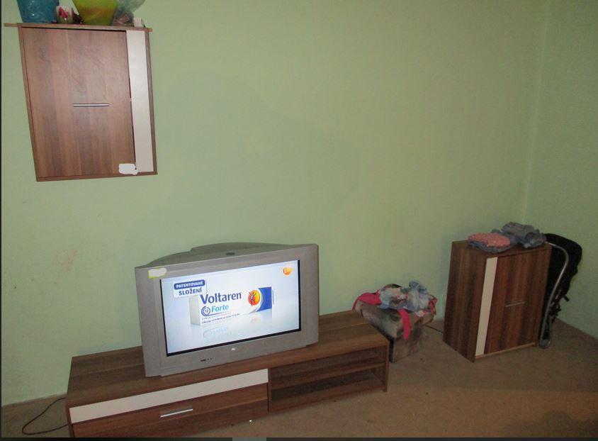 11.9.2019 Dražba nábytku (Obývací stěna). Vyvolávací cena 700 Kč, ➡️ ID608136