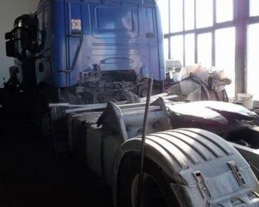 15.8.2019 Dražba nákladního automobilu tahač návěsů SCANIA. Vyvolávací cena 60.000 Kč, ➡️ ID607011