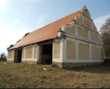 Do 25.7.2019 Dražba nemovitosti (Dražba barokní stodoly). Vyvolávací cena 295.000 Kč, ➡️ ID603042
