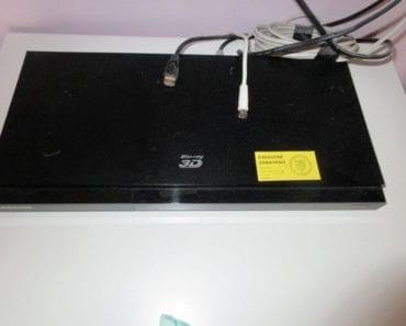 6.8.2019 Dražba elektroniky (Blu-ray přehrávače a tablet). Vyvolávací cena 400 Kč, ➡️ ID607114