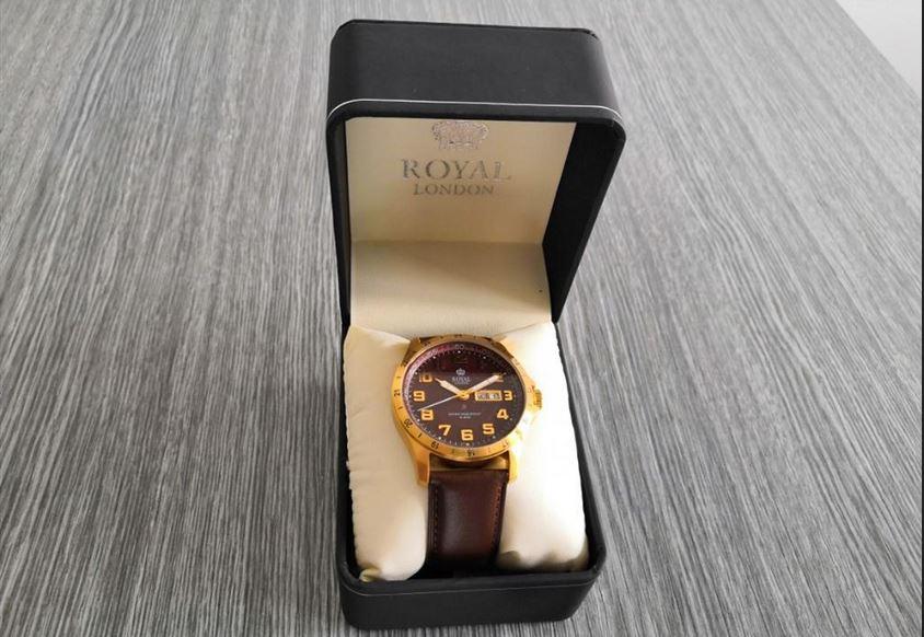 6.9.2019 Dražba ostatních movitých věcí (Pánské hodinky Royal London, 5 ATM). Vyvolávací cena 700 Kč, ➡️ ID621122