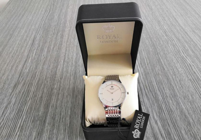 6.9.2019 Dražba ostatních movitých věcí (Pánské hodinky Royal London, 3 ATM vlhkotěsné). Vyvolávací cena 700 Kč, ➡️ ID621130